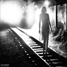 I know is not a wedding pic but it wil be beautiful to have a picture in the railroad in black and white ;)
