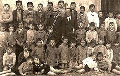 Maestros de la República | Banderas de otro color. 60.000 maestros fueron depurados en la purga ideologica de los sublevados.