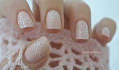 Simple and Elegant Snowflakes 11 Holiday Nail Art Designs Too Pretty To Pass Up Holiday Nail Colors, Christmas Nail Art Designs, Holiday Nail Art, Halloween Nail Art, Holiday Makeup, Snow Nails, Xmas Nails, Winter Nails, Christmas Nails