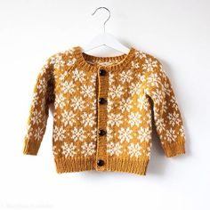 "254 Likes, 48 Comments - @docksjo on Instagram: ""Just i case you missed it I just released a new pattern, for this adorable little cardigan called…"""