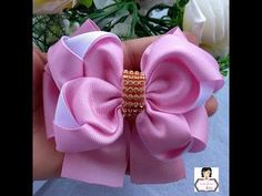 I will show you how to make this huge bun in a very simple way. Ribbon Hair Bows, Diy Hair Bows, Diy Bow, Lace Bows, Diy Ribbon, Ribbon Crafts, Ribbon Flower, Hair Bow Tutorial, Flower Tutorial