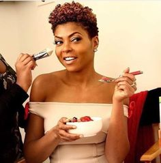 New Doo. I love that Taraji did the big chop. Natural curls are supreme fab on her. Inspired!