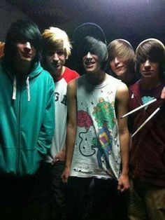 I think I just died x^x Cute Emo Guys, Hot Emo Boys, Emo Girls, Guys And Girls, Emo Scene Hair, Emo Hair, Scene Guys, Emo Goth, Looks Cool