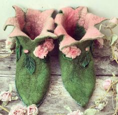 Fairy shoes elf shoesCUSTOM made to order Elf slippers image 0 Elf Slippers, Felted Slippers, Bridal Shoes, Wedding Shoes, Woodland Shoes, Fairy Shoes, Elf Shoes, Fairy Clothes, Flower Shoes