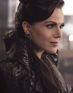 Awesome Evil Queen Regina (Lana) #Once #S6 E2 #ABitterDraught airs Sunday 10-2-16