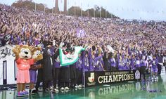 [ J1:第33節 広島 vs C大阪 ] サンフレッチェ広島が4-1でセレッソ大阪を破り、ベガルタ仙台が敗れたため、サンフレッチェ広島が初めてのリーグチャンピオンに輝いた!  2012年11月24日(土):エディオンスタジアム広島