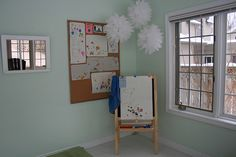 Easel workspace and display, belongs to toddler