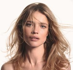 Face of Etam lingerie and swimwear, Natalia Vodianova, is back for a new campaign from the French brand's cosmetics line called Etam Beaute. In the new images, Natalia shows off arrange of beauty looks including a vibrant red lip, full eyelashes and a barely there makeup look. From glamorous to understated, the Russian beauty looks …