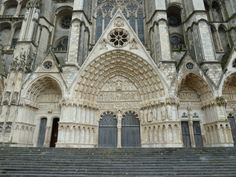 Saint Stephens 's Cathedral in Bourges Ancient City, Monuments, Loire Valley, Saint Stephen, France, Gothic Architecture, Barcelona Cathedral, Between, Saints