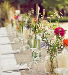 Dinner Party Decor Ideas – How to Decorate a Dinner Party Room - Hochzeit Dinner Party Decorations, Wedding Venue Decorations, Wedding Venues, Table Decorations, Birthday Table, 60th Birthday Party, Classy Birthday Party, Unique Weddings, Real Weddings