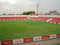 Estádio Nicolau Alayon - São Paulo (SP) - Capacidade:10,7 mil - Clubes: Nacional e Barcelona