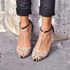 Obsessed with these pretty Zara sandals #stylescoop
