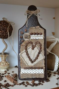 Diy Arts And Crafts, Diy Crafts, Burlap Rosettes, Coffee Crafts, Coffee Corner, Bottle Crafts, Flower Crafts, Coffee Beans, Decoupage