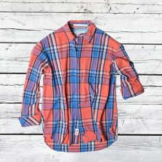 Avail Men's vintage apparel in new fashion at Vintage 1946. Pure cotton shirts and chinos in various patterns like plaid shirts, Rugby's, Henley's, military chinos, madras shorts and reversible short. They are the best to provide vintage clothing across United States.