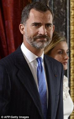 King Felipe sported a salt and pepper post holiday beard today, 8 September 2014, as he welcomed the President of Panama to Madrid.