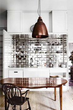 mirrored-kitchen-splashback-copper-pendant-light-mar13