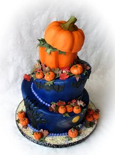 Are you getting married soon? Have your special day filmed by A.B. Rich Films | www.abrichfilms.com ♥    Fall wedding? Check out this unique cake!