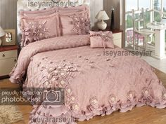 Twin Bed Sets With Comforter Bed Cover Design, Bed Design, Home Design, Guest Bedroom Decor, Master Bedroom Design, Bedroom Ideas, Wood Bedroom, Bedroom Green, Bedroom Colors