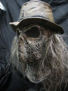 Here are a few screen caps of the scarecrow featured in the Supernatural episode. Description from thescarecrowspost.blogspot.co.uk. I searched for this on bing.com/images