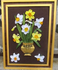 White and yellow narcissi. Wall hanging with narcissi. Narcissi in a vase. Pictures Of Spring Flowers, Flower Pictures, Embroidered Flowers, Silk Flowers, Butterfly Template, Parchment Craft, Silk Ribbon Embroidery, Ribbon Work, Embroidery For Beginners
