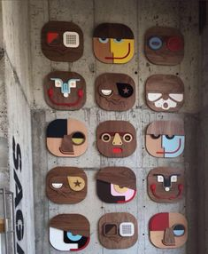 A handmade decorative wooden mask. Hang it on your office wall, living room or in the kids room, you can not go wrong with this artistic comic art. Diy Wall Art, Wall Art Decor, Victorian Dollhouse, Modern Dollhouse, Arte Elemental, Ceramic Mask, Funny Home Decor, Miniature Dolls, Miniature Houses