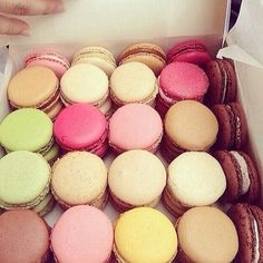 ✦⊱♡French macaroons♡⊰✦ French Macaroons, Eat Dessert First, Tea Cakes, Macarons, Something Sweet, Girly Things, Vanilla Cake, Sweet Recipes, Sweet Tooth