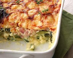Light Zucchini and Ham Gratin WW - Main course and recipe - Recette weight watchers - Meat Recipes Meat Recipes, Healthy Dinner Recipes, Crockpot Recipes, Chicken Recipes, Zucchini Gratin, Recetas Puertorriqueñas, Weight Watchers Chicken, Tasty Dishes, Food And Drink