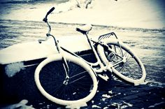 "Day 4 (27.01.2011) - ""Forgetting""    This bike has been here for a long time. Wondering if the owner even knows where his/her bike is (or if the bike even has an owner).    Sometimes, it's just too easy for people to forget..."