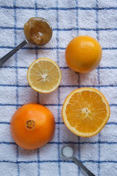 Holiday Hangover Cure: fresh orange and lemon juice, honey/maple syrup, and sea salt. Natural Hangover Cure, Homemade Electrolyte Drink, Hangover Drink, Oranges And Lemons, Happy Healthy, Maple Syrup, Juicing, Sea Salt, Good To Know