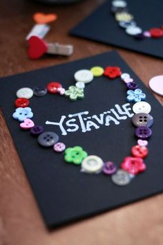 Button Art, Diy And Crafts, Valentines Day, Valentine's Day Diy, Valentine Words, Valentines, Valentine's Day