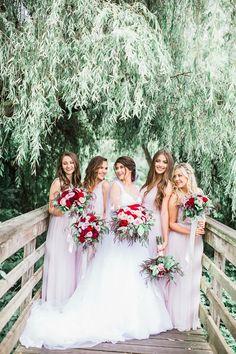 #weddingphotos #brideandhermaids
