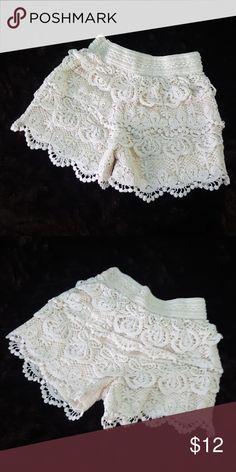 Soho Kids Girls Crochet Ruffle Shorts 4/6X Soho Kids (Dillards) girls crochet ruffle shorts in Ivory, thick elastic waist.? Excellent condition. Bottoms Shorts