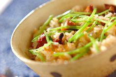焼き鳥缶を入れるだけで、こんなに本格的な炊き込みご飯が作れます。焼き鳥缶の炊き込みご飯[和食/ご飯もの(寿司、ご飯、どんぶり)]2011.03.16公開のレシピです。