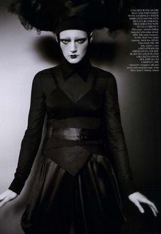 Vogue UK Editorial June 2011 - Guinevere Van Seenus by Paolo Roversi