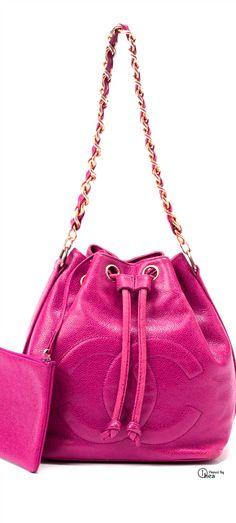 Chanel ● Leather Chain Shoulder Bag
