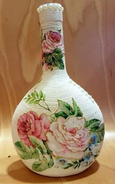 1 million+ Stunning Free Images to Use Anywhere Wine Bottle Vases, Glass Bottle Crafts, Painted Wine Bottles, Diy Bottle, Decoupage Glass, Decoupage Art, Handmade Crafts, Diy Crafts, Bottle Cap Projects