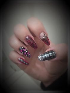 Nails done by Alinixella Nails! Find her on Pinterest!