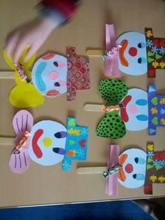 Carnival crafts - heart - What a great one Idea. Perfect for the next one # Carnival party. Kids Crafts, Easy Crafts, Diy And Crafts, Arts And Crafts, Paper Crafts, Circus Crafts, Carnival Crafts, Clown Crafts, Types Of Craft