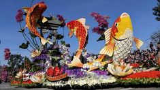 APThe Singpoli American BD float makes its way along the parade route at the Rose Parade in Pasadena, Calif. The float won the Sweepstakes Award. Animal Floats, Rose Bowl Parade, Michael Owen, New Rangoli Designs, Parade Route, Flower Festival, Jan 1, Garden Crafts, Animal Paintings