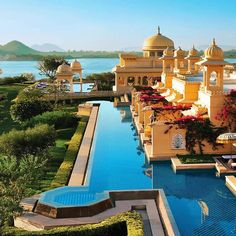 The majesty of the Oberoi Udaivilas in Udaipur is kind of an understatement. By Hotelied.