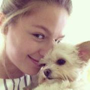 Melissabenoist Milli Melissa Supergirl Melissa Benoist Celebrity Dogs
