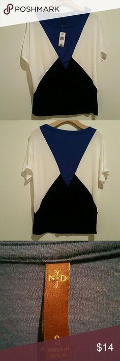 NWT NYDJ top NWT white, black and royal blue short sleeve top. NYDJ Tops Tees - Short Sleeve