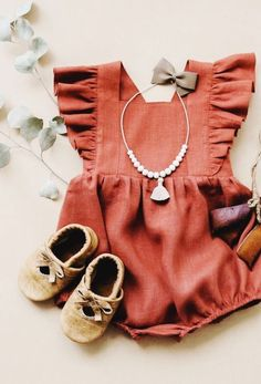 Irina Pushko is the designer and maker behind one of Etsy's most wonderful clothing stores for children, Dannie and Lilou. Little Girl Outfits, Kids Outfits Girls, Baby Boy Outfits, Baby Kind, My Baby Girl, Baby Love, Baby Girl Fashion, Kids Fashion, Trendy Baby Clothes