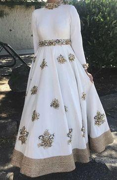 Indian Bridal Lehenga, Red Lehenga, Party Wear Lehenga, Indian Gowns, Anarkali Dress, Indian Party Wear, Indian Wedding Outfits, Bridal Outfits, Indian Outfits