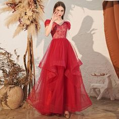 Charmant Burgunderrot Abendkleider 2020 A Linie Off Shoulder Spitze Kurze Ärmel Rückenfreies Fallende Rüsche Lange Festliche Kleider Burgundy Evening Dress, Evening Dresses, Formal Dresses, Color Borgoña, Evening Party, Fashion Boutique, Hemline, Lace Shorts, Ruffles