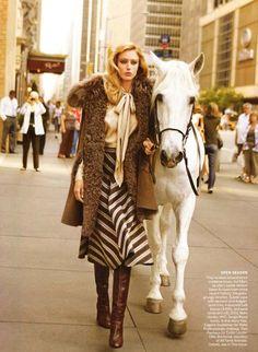 An urban equestrian look. #equestrian #urban