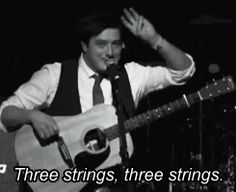 tumblr_mh99s6pe1T1s36947o1_250.gif (245×200) Marcus Mumford, Banjos, Sons, Beer, Music, Root Beer, Musica, Ale, Musik