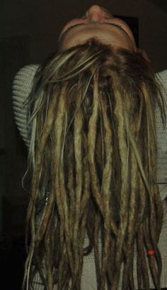 seriously considering just doing all of my hair dreads...