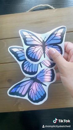 Diy Crafts To Do, Vinyl Crafts, Diy Arts And Crafts, Vinyl Projects, How To Make Stickers, Cool Stickers, Cricut Vinyl, Vinyl Decals, Diy Butterfly Costume
