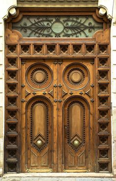 Carved Doors Wooden Ideas Wood Doors Are Warm and Welcoming Carved Doors Wooden Ideas. Custom wood doors, whether elegant or rustic, are a durable choice that can really set off the style of your h… Door Entryway, Entrance Doors, Doorway, Grand Entrance, Patio Doors, Cool Doors, Unique Doors, Wood Windows, Windows And Doors